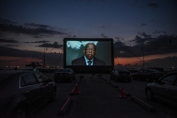 Bestpix「Brooklyn Army Terminal Hosts Drive-In Movie Night」:写真・画像(12)[壁紙.com]