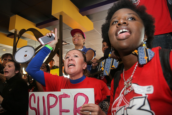 Fast Food「Fast Food Workers Nationwide To Demand Higher Wages」:写真・画像(7)[壁紙.com]
