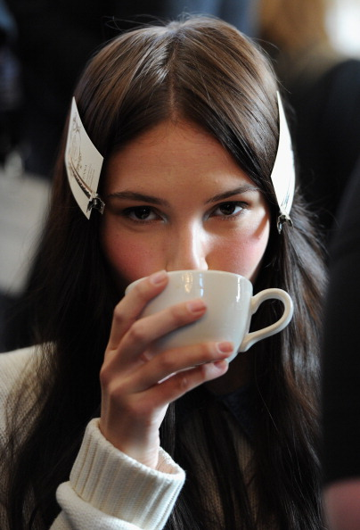 Eamonn M「London College Of Fashion MA - Backstage - LFW F/W 2013」:写真・画像(11)[壁紙.com]