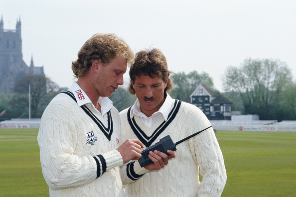 Mobile Phone「Ian Botham and Graham Dilley join Worcestershire CCC 1987」:写真・画像(8)[壁紙.com]