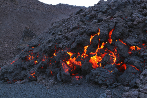 Basalt「March 26, 2010 - Fimmvrduhals lava flow, Eyjafjallajkull, Iceland.」:スマホ壁紙(12)