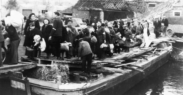 Calais「Evacuation Of Calais」:写真・画像(7)[壁紙.com]
