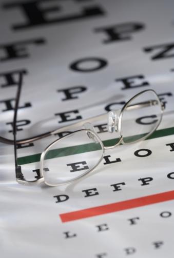 Optometrist「Eye glasses and chart」:スマホ壁紙(19)