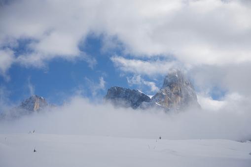 Moody Sky「Italy, Dolomiti, Passo Rolle, Cimon della Pala」:スマホ壁紙(8)