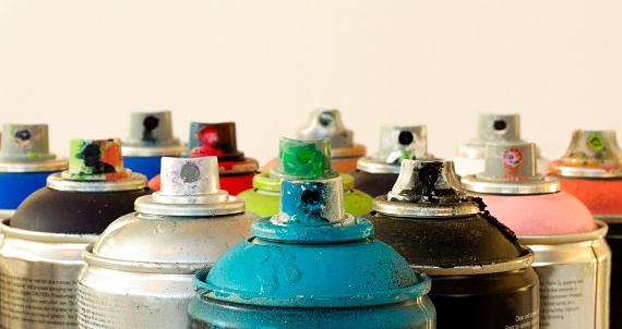 Art「Range of aerosol cans used for graffiti macro」:スマホ壁紙(19)