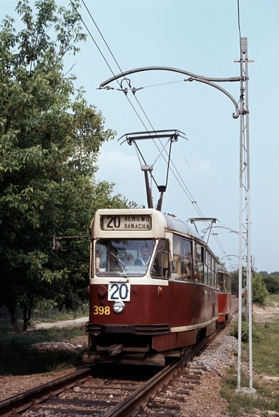 Finance and Economy「Warsaw tram No 398 plies Route 20 through the woods of the Benmow district on Friday 27th May 1983.」:写真・画像(14)[壁紙.com]