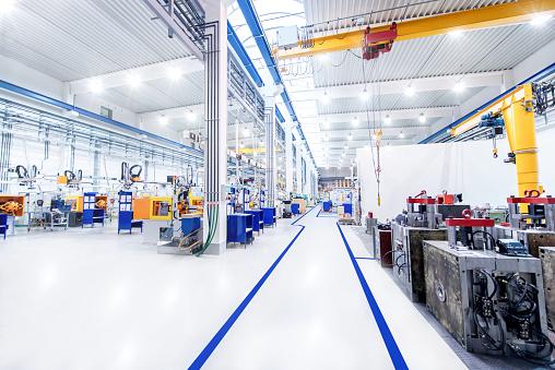Technology「Modern factory & aisle」:スマホ壁紙(9)