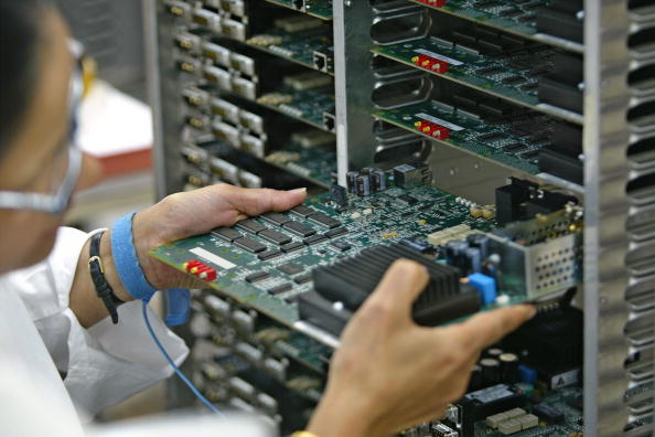 Equipment「Telecommunication Circuit Board Processing In Israel」:写真・画像(13)[壁紙.com]