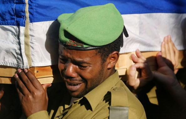 Beret「Funeral Held For Isreali Soldier Killed By Sniper」:写真・画像(11)[壁紙.com]