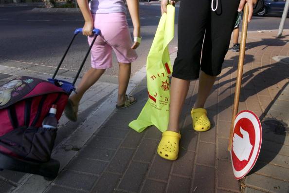 Crocs Shoe「Crocs Shoes Increasingly Popular Amongst Trendy Israelis」:写真・画像(4)[壁紙.com]