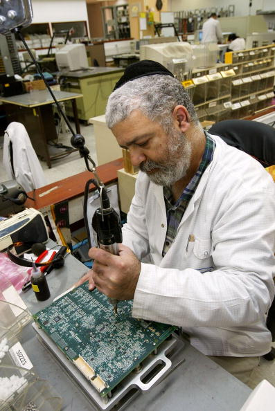 Profile View「Telecommunication Circuit Board Processing In Israel」:写真・画像(19)[壁紙.com]