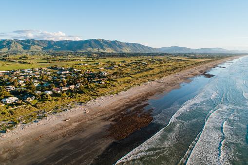 Kiwi「Beautiful view of small town on Te Horo, Wellington.」:スマホ壁紙(6)