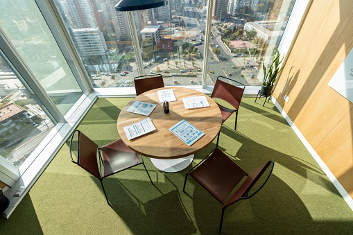 Small Office「Beautiful view of a modern office at a coworking space with a city view」:スマホ壁紙(14)