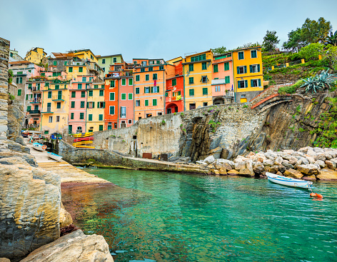 Coastline「Beautiful view of Riomaggiore in late afternoon light.」:スマホ壁紙(2)
