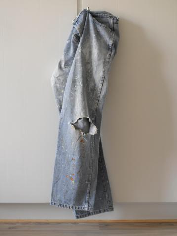 Denmark「dirty jeans hanging on door」:スマホ壁紙(13)