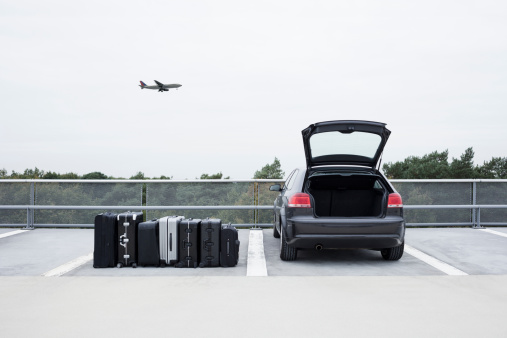 Car「Suitcases beside car」:スマホ壁紙(2)