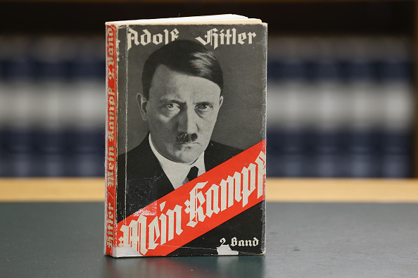 "Standing「""Mein Kampf"" Copyright To Expire By End Of 2015」:写真・画像(18)[壁紙.com]"