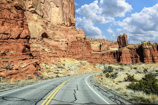 Glen Canyon National Recreation Area「Southern Utah highway」:スマホ壁紙(13)