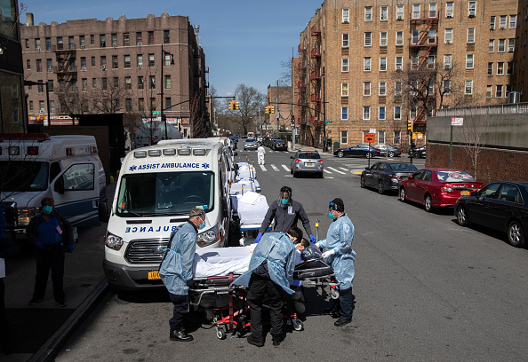 New York City「Tri-State EMS Workers Confront Growing Number Of Coronavirus Cases」:写真・画像(2)[壁紙.com]