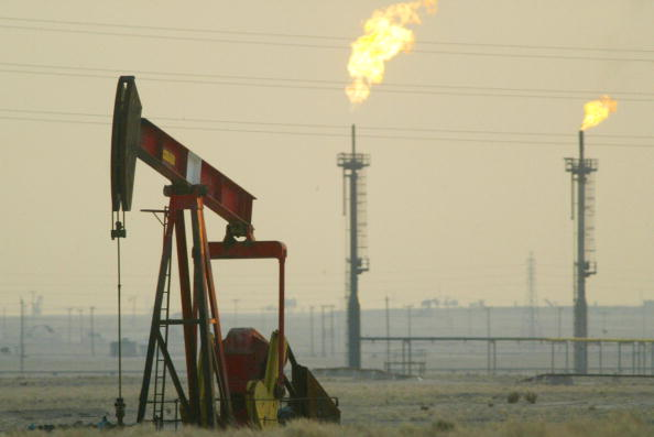 USA「Kuwait Promises To Increase Oil Production In Case  Of War」:写真・画像(11)[壁紙.com]