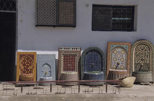 Moorish「Tile and pottery souk, Fez, Morocco,」:スマホ壁紙(12)