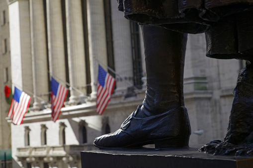 Trading「Detail of George Washington's statue in front of the Federal Hall National Memorial, New York City.」:スマホ壁紙(8)