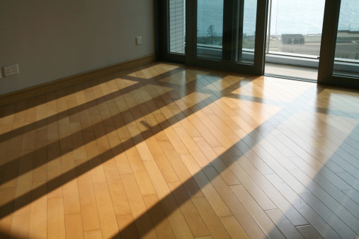 Sunbeam「Empty Room With Hardwood Floor」:スマホ壁紙(14)