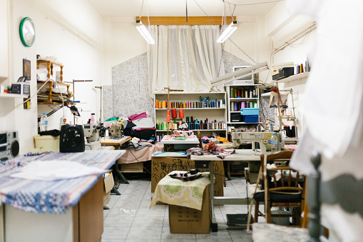 Workshop「Empty room of family sewing and tailoring small business」:スマホ壁紙(0)