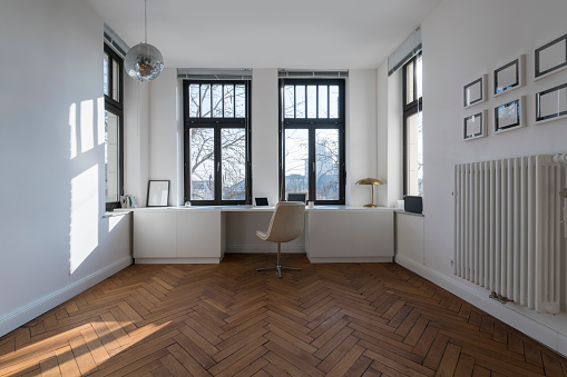 Parquet Floor「Empty room with chair and large panorama window」:スマホ壁紙(7)