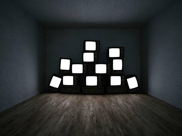 Empty room of a group of TV sets:スマホ壁紙(壁紙.com)
