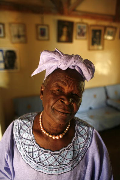 Sarah Obama「Barak Obama's Grandmother Awaits Super Tuesday Results」:写真・画像(10)[壁紙.com]