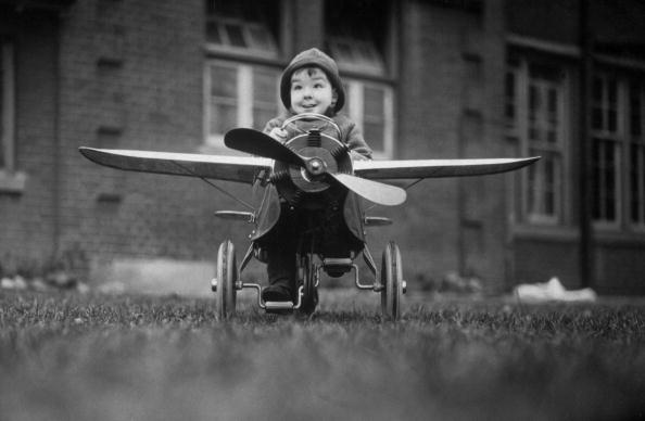 Tricycle「A Young Pilot」:写真・画像(7)[壁紙.com]