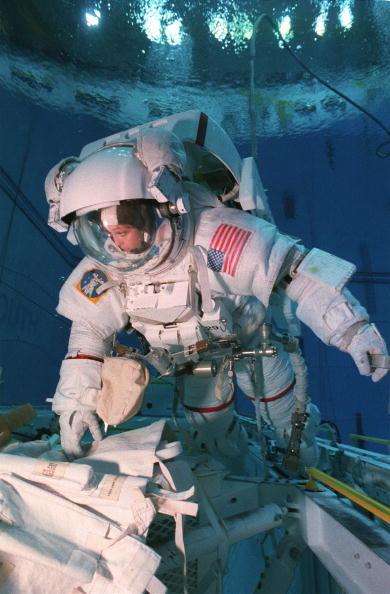 Underwater「Tamara E. Jernigan, Mission Specialist」:写真・画像(14)[壁紙.com]