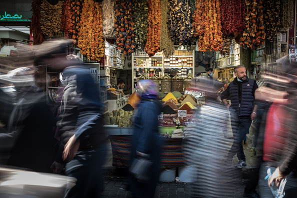 Human Role「Turkey Prepares For Ramadan Ahead Of Further Covid-19 Restrictions」:写真・画像(8)[壁紙.com]