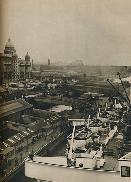 Passenger Craft「The Landing Stage At Liverpool」:写真・画像(6)[壁紙.com]
