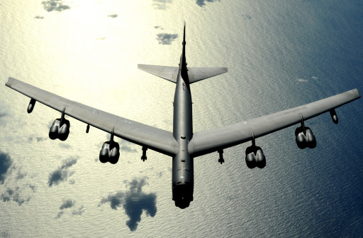 Glitter「November 12, 2008 - A B-52 Stratofortress in flight over the Pacific Ocean.                                                         」:スマホ壁紙(17)