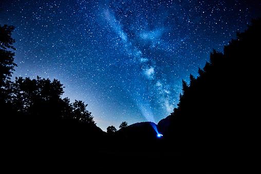 探求「the milky way on the sky in the night time」:スマホ壁紙(14)