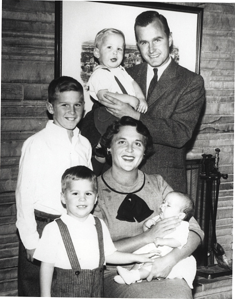 Jeb Bush「Bush Family Portrait, 1956」:写真・画像(19)[壁紙.com]