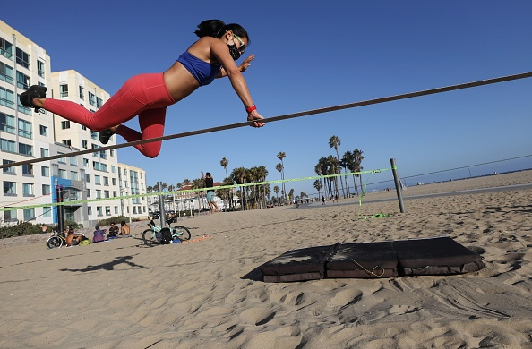 Santa Monica「U.S. Struggles With Coronavirus Amid A Surge Of New Cases」:写真・画像(17)[壁紙.com]