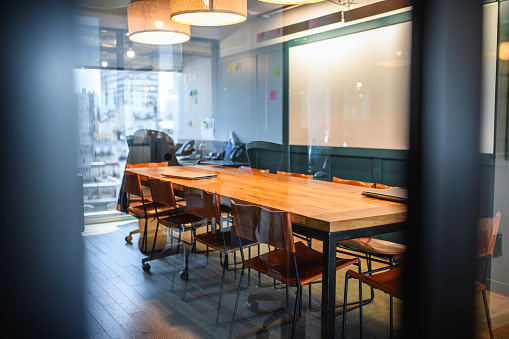 Buenos Aires「Glimpse of Modern Board Room in Buenos Aires Office」:スマホ壁紙(13)