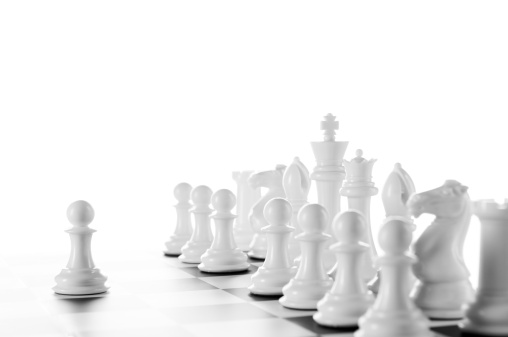 Decisions「Leader, White Chess Pawns on chess board, black and white」:スマホ壁紙(3)