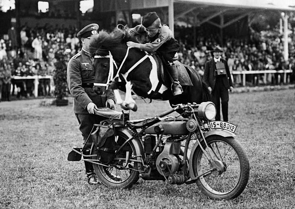 Sport「Hitler Youth Horst Hoppe Jumps Motorcycle on Pony」:写真・画像(10)[壁紙.com]