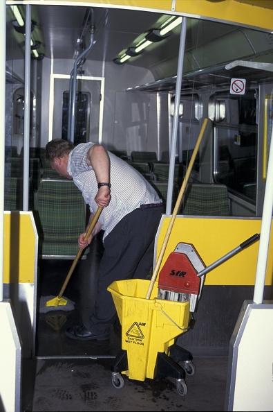 Mop「Internal train cleaning at Birkenhead Central. May 1995」:写真・画像(13)[壁紙.com]