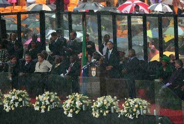 Christopher Furlong「The Official Memorial Service For Nelson Mandela Is Held In Johannesburg」:写真・画像(3)[壁紙.com]