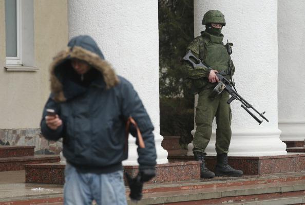 Wireless Technology「Concerns Grow In Ukraine Over Pro Russian Demonstrations In The Crimea Region」:写真・画像(2)[壁紙.com]