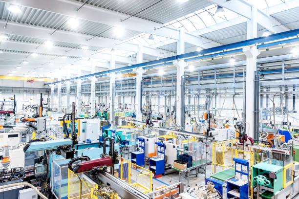 Factory interior & futuristic machines:スマホ壁紙(壁紙.com)