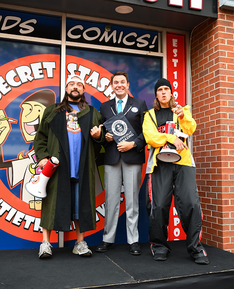 Cosplay「Comic Book Men Jay And Silent Bob Cosplay Guinness Book Of World Records Event」:写真・画像(0)[壁紙.com]