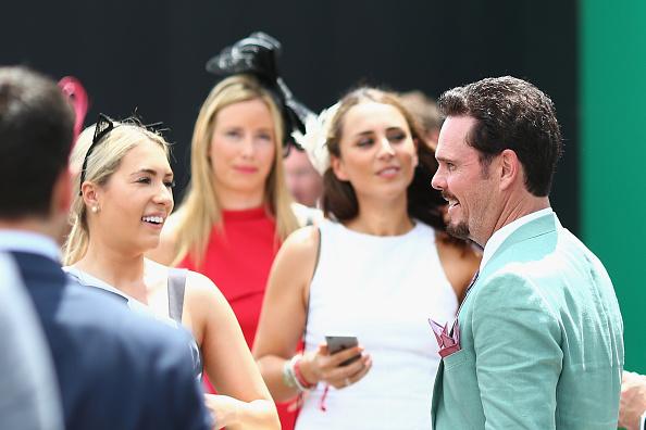 Crown Oaks Day「Celebrities Attend Oaks Day」:写真・画像(4)[壁紙.com]