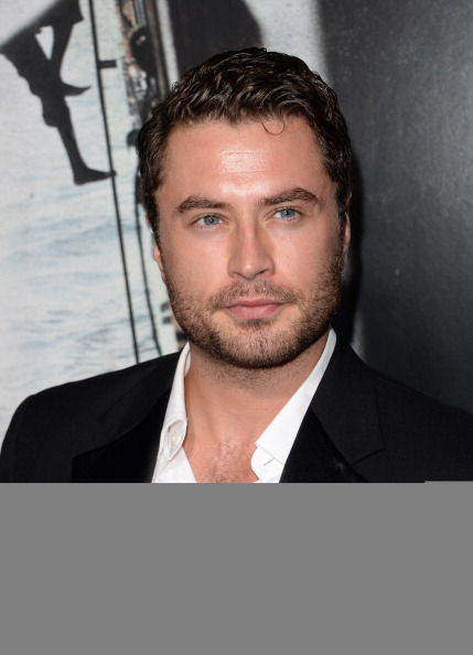 "Jason Phillips「Premiere Of Columbia Pictures' ""Captain Phillips"" - Arrivals」:写真・画像(10)[壁紙.com]"