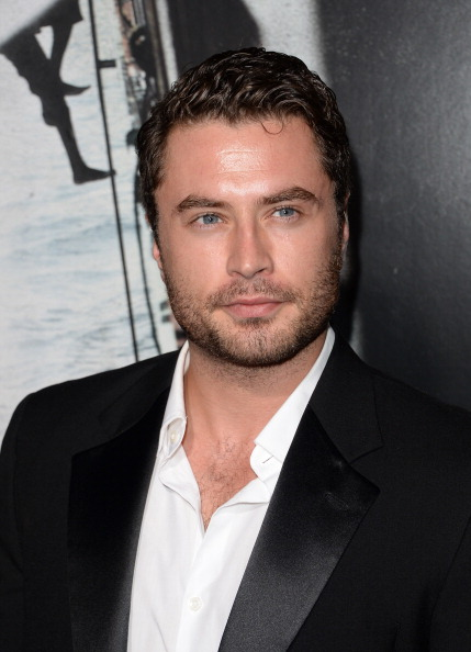 "Jason Phillips「Premiere Of Columbia Pictures' ""Captain Phillips"" - Arrivals」:写真・画像(12)[壁紙.com]"
